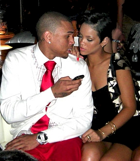 chris-brown_rihanna-kiss1